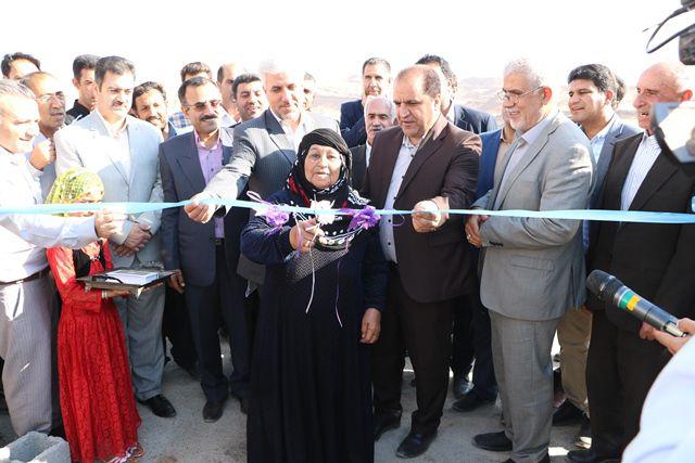 نخستین واحد مسکونی تکمیل شده در مناطق سیل زده ایلام تحویل مددجوی کمیته امداد شد