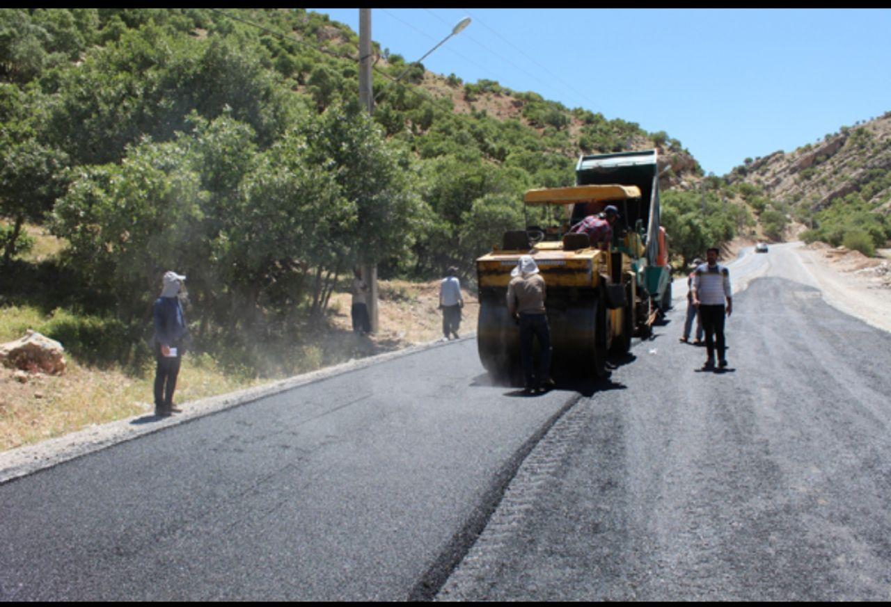 مهندس کاظمی از آسفالت جاده دره ارغوان خبر داد