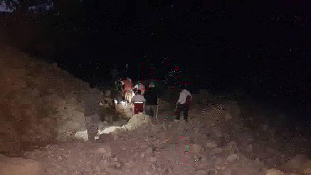 نجات مصدوم ۴۵ ساله در ارتفاعات کبیر کوه