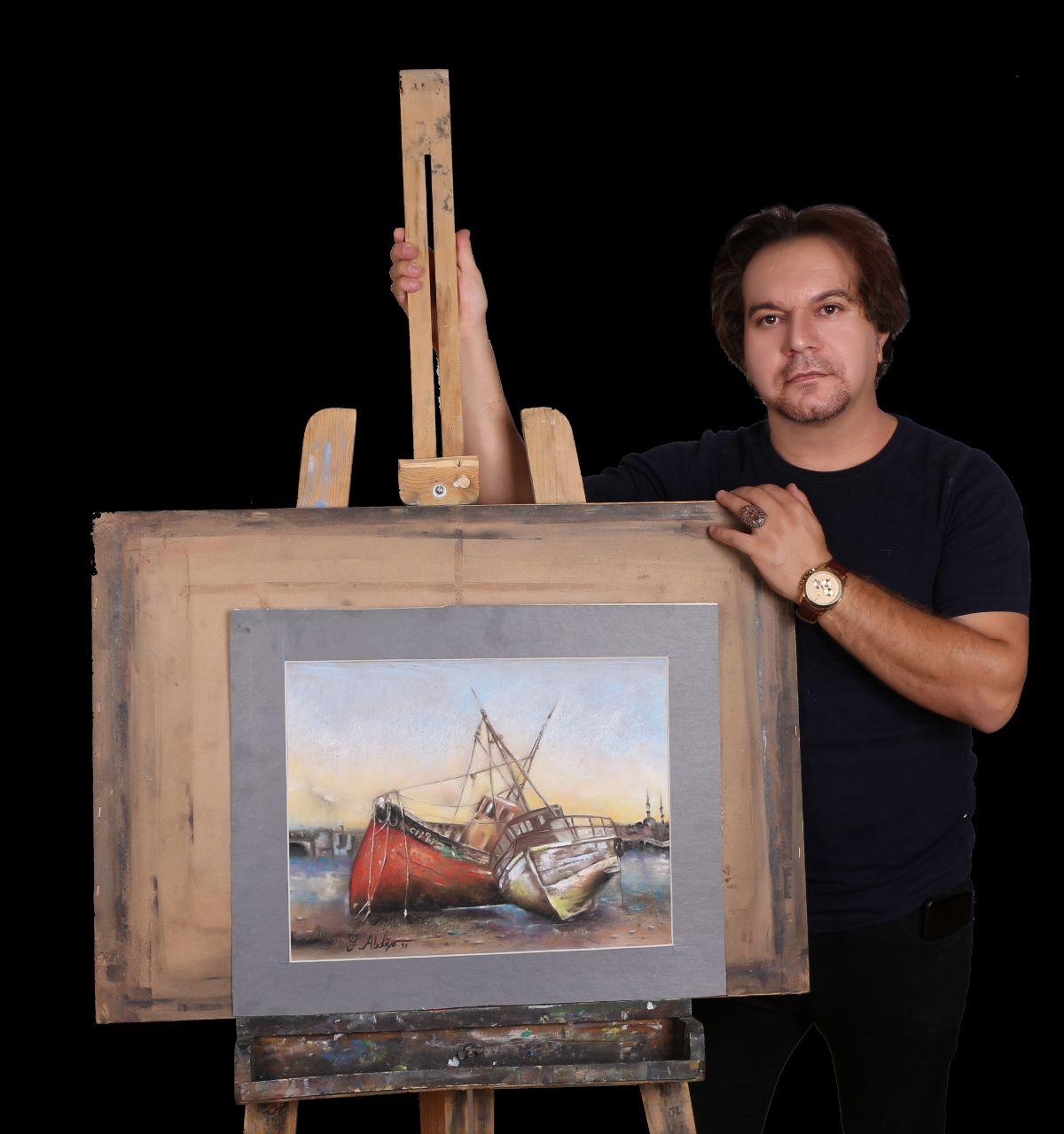 هنرمندی که از هر انگشتش هنر می بارد